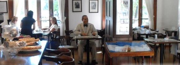 un_cafe_con_peron_general